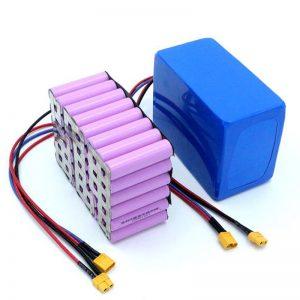 Fabrika Prezo 18650 Bateria Ĉelo alta potenco 12V Reŝargebla Li-Ion Litio-Baterio Vendota